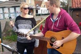 Tussen Slik en Zand 2017: Straatmuziek in Nes
